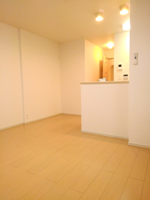 物件番号: 1110309594 フランシーズ 富山市下堀 1K アパート 写真6