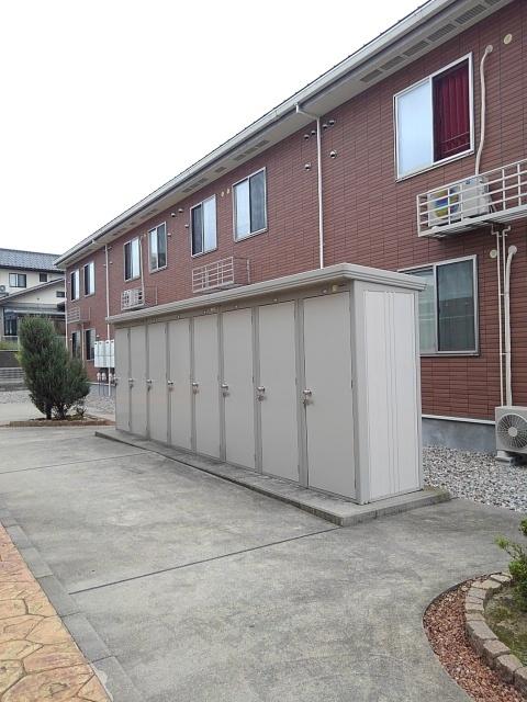 物件番号: 1110309602 ドゥ・ファミーユA  富山市常盤台 3LDK アパート 画像12