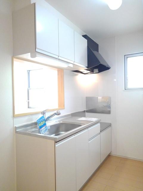 物件番号: 1110309602 ドゥ・ファミーユA  富山市常盤台 3LDK アパート 画像2