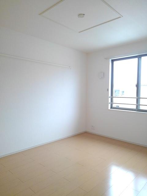 物件番号: 1110309602 ドゥ・ファミーユA  富山市常盤台 3LDK アパート 画像4