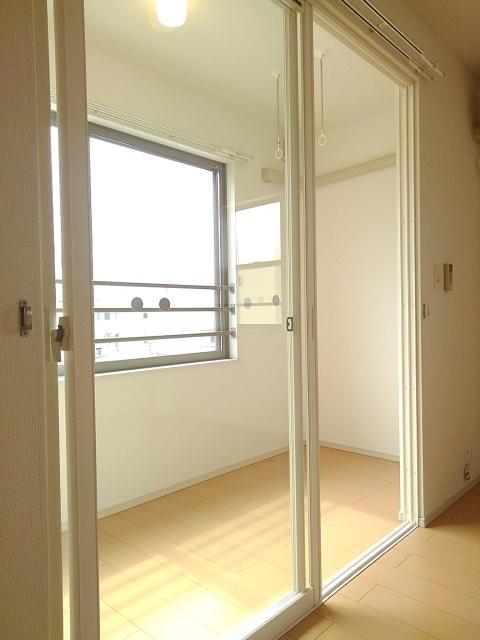 物件番号: 1110309602 ドゥ・ファミーユA  富山市常盤台 3LDK アパート 画像6