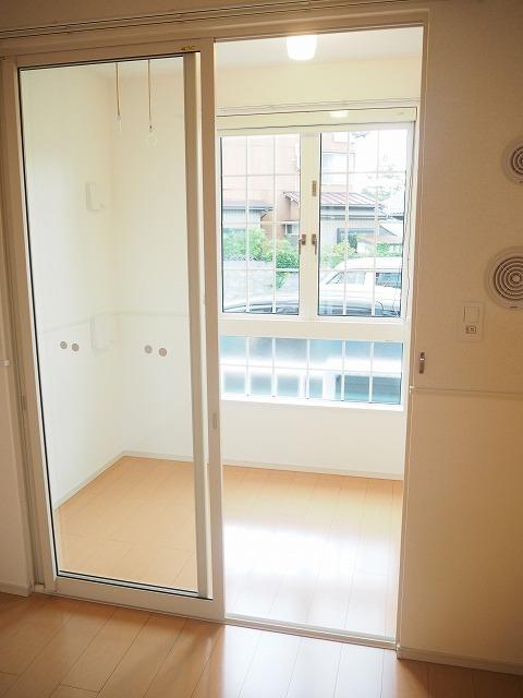 物件番号: 1110309622 ファミーユ 富山市秋吉新町 1LDK アパート 写真9