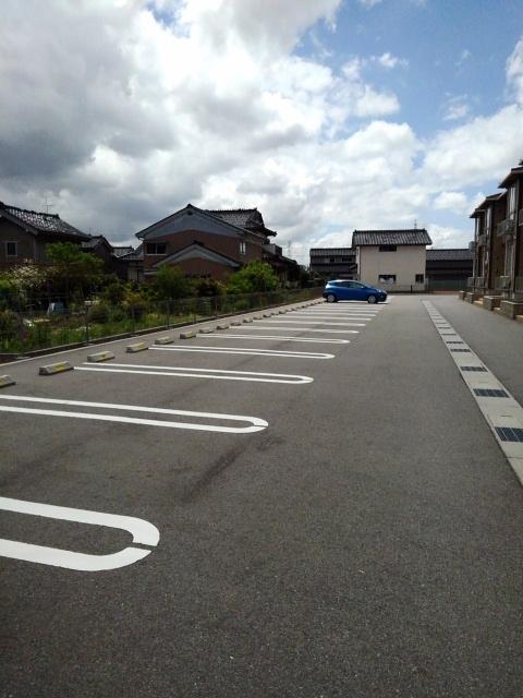 物件番号: 1110309918 ヴァン・グラースⅡ  富山市米田町1丁目 1LDK アパート 画像9