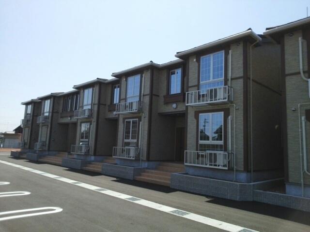 物件番号: 1110309918 ヴァン・グラースⅡ  富山市米田町1丁目 1LDK アパート 外観画像