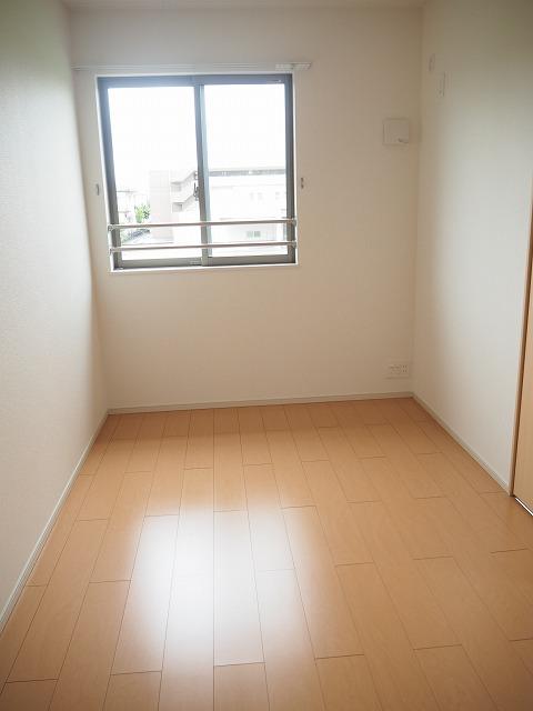 物件番号: 1110309636 YS ソレイユB 富山市赤田 2LDK アパート 写真5