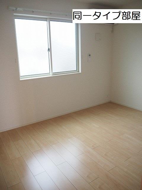 物件番号: 1110309712 ケルンⅥ 富山市新庄町4丁目 1LDK アパート 写真5