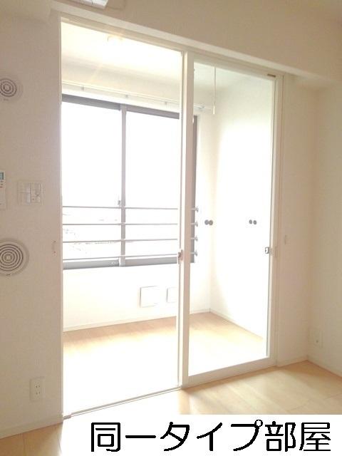 物件番号: 1110309737 グランリーオ・R Ⅲ  富山市上二杉 2LDK アパート 画像5