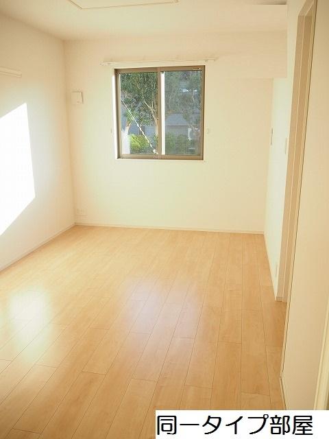 物件番号: 1110309740 ル・ソレイユ  富山市八尾町福島6丁目 1LDK アパート 画像4