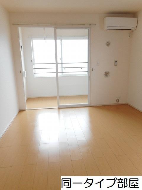 物件番号: 1110309785 ドゥ・ステージアⅧ 富山市小杉 2LDK アパート 写真2