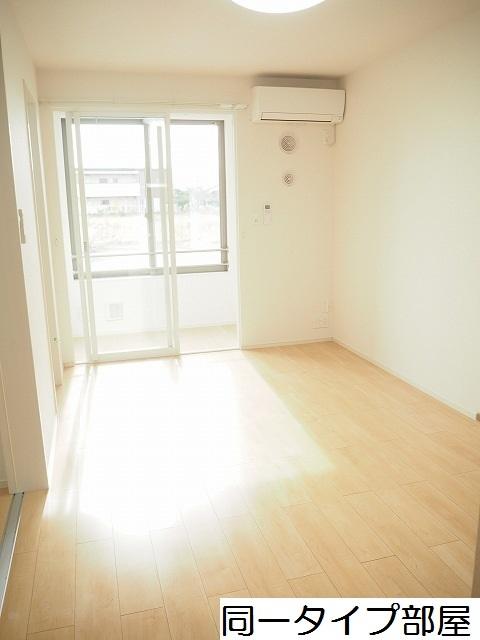 物件番号: 1110309858 ラ・セーヌ ミヨイ Ⅲ  富山市山室 1LDK アパート 画像1