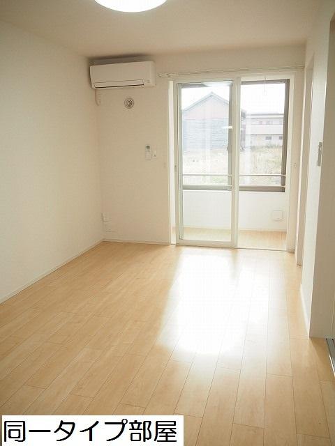 物件番号: 1110309859 ラ・セーヌ ミヨイ Ⅲ  富山市山室 1LDK アパート 画像1