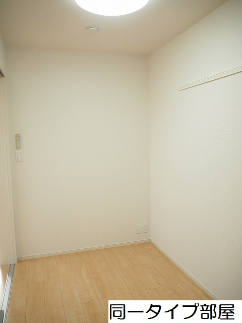 物件番号: 1110309859 ラ・セーヌ ミヨイ Ⅲ  富山市山室 1LDK アパート 画像4