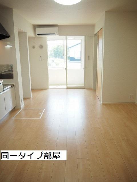 物件番号: 1110309875 シャルマンⅣ 富山市山室荒屋 1LDK アパート 写真2