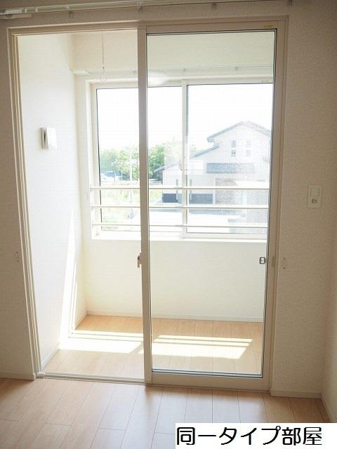 物件番号: 1110309882 シャルマンⅣ 富山市山室荒屋 1LDK アパート 写真9