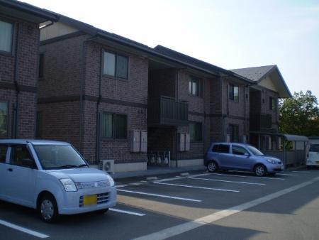 物件番号: 1110300446 パークコート A 富山市経田 1LDK アパート 外観写真
