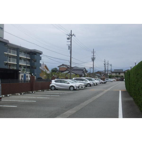 物件番号: 1110307286 信開アーバンシティキングス  富山市窪新町 2LDK マンション 画像14